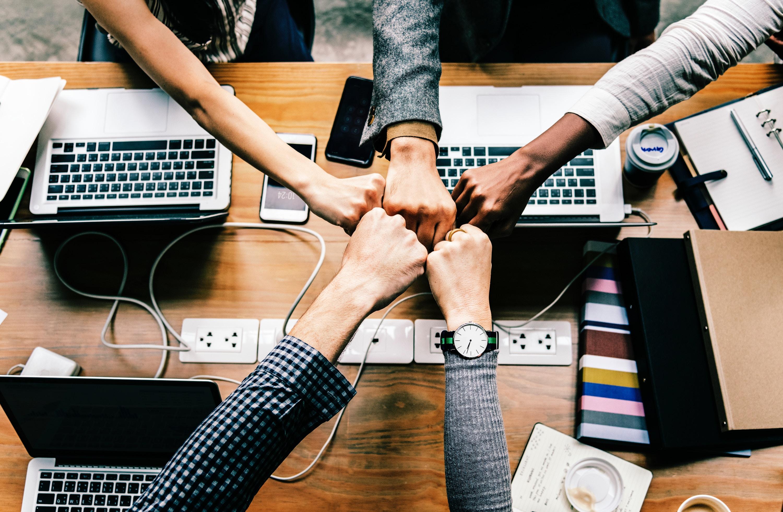 Team bei erfolgreicher Zusammenarbeit